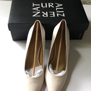 Naturalizer Shoes - Naturalizer Ivory 3 inch heels- size 6.5